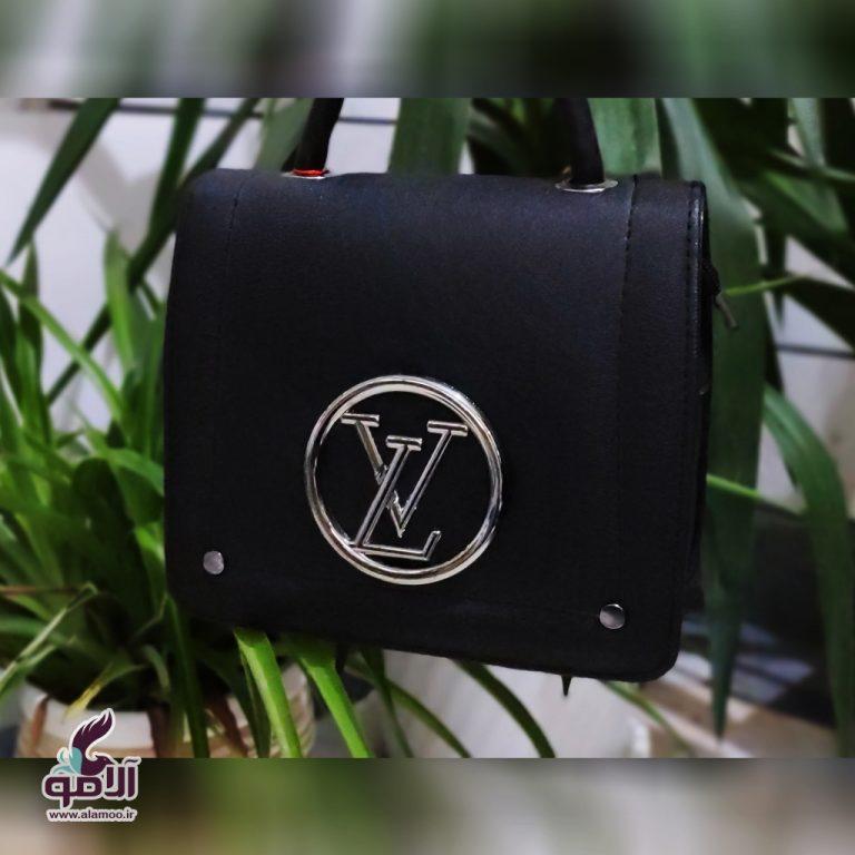 کیف دوشی زنانه مدل LV کد B105